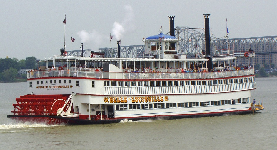 Belle of Louisville under power.